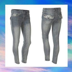Size 6 Paisley Sky Skinny Jeans